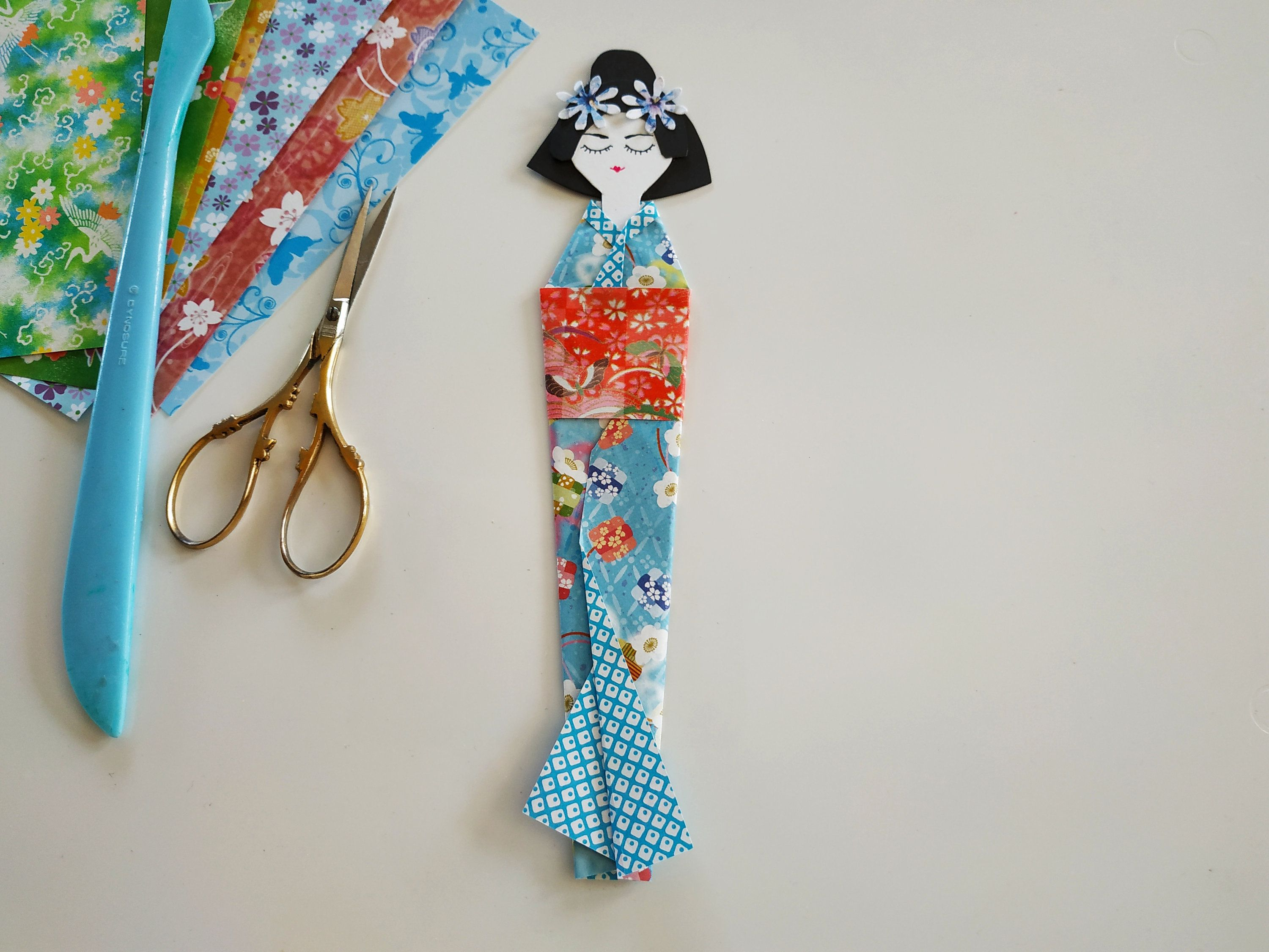 How to make a Japanese doll bookmark - YouTube   2250x3000