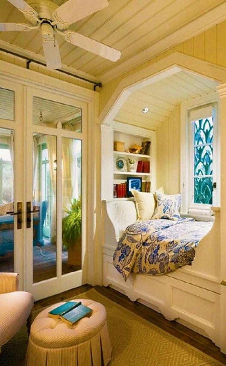 Mein Traumhaus, Bücherecken, Hundebetten, Traum Schlafzimmer,  Schlafzimmerdesign, Schlafzimmer Innengestaltung, Buch Ecken