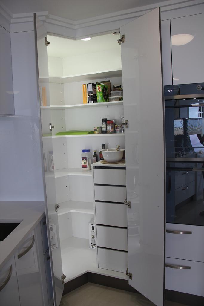 corner pantries - Google Search | Utile | Pinterest | Cucine moderne ...