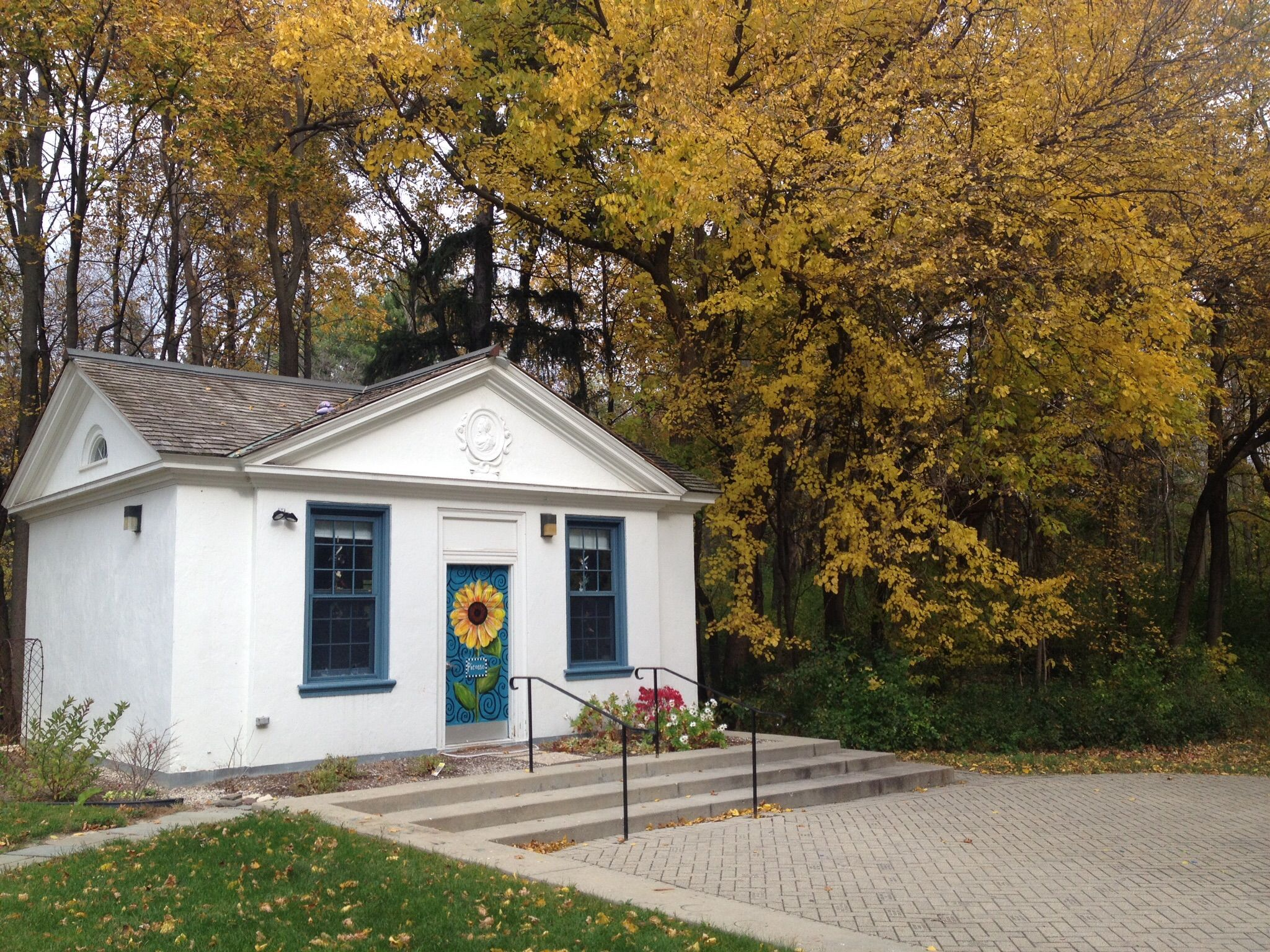 One Of Adler S Pool Houses Converted To An Art Studio Www Adlercenter Org With Images Shed Homes Pool Houses Shed