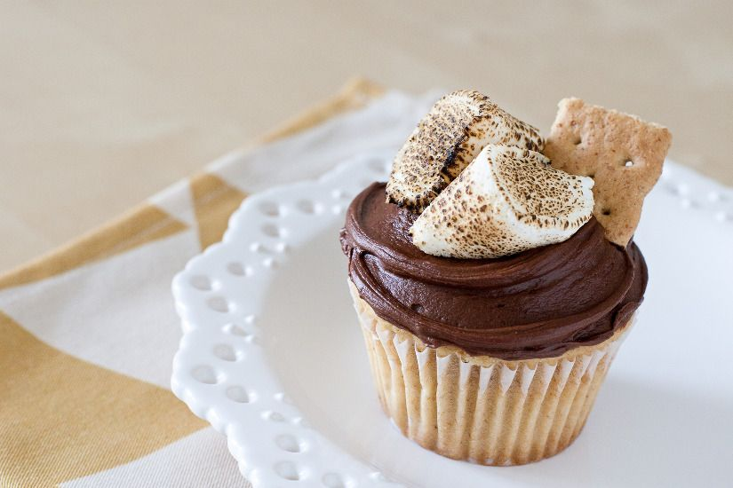 FOOD Photography - Jennifer Chong | JChong Studio - not the recipe, but I would assume you could do this with chocolate frosting, a bit of ghram cracker, and toasted mallows!