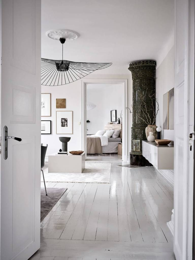 Photo of Majestic home in black and white – COCO LAPINE DESIGN