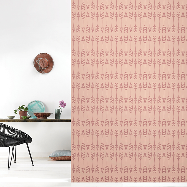 Roomblush behang wallpaper arrows marsala behangpapier woonkamer ...