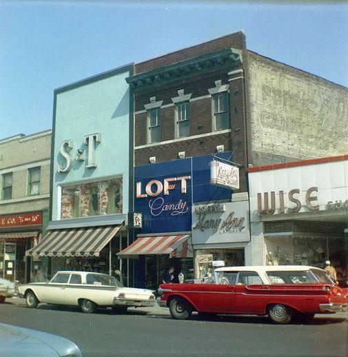 Kings Highway Brooklyn Ny 1964 Shopping Brooklyn Ny Kings Highway Brooklyn New York Brooklyn Cincinnati