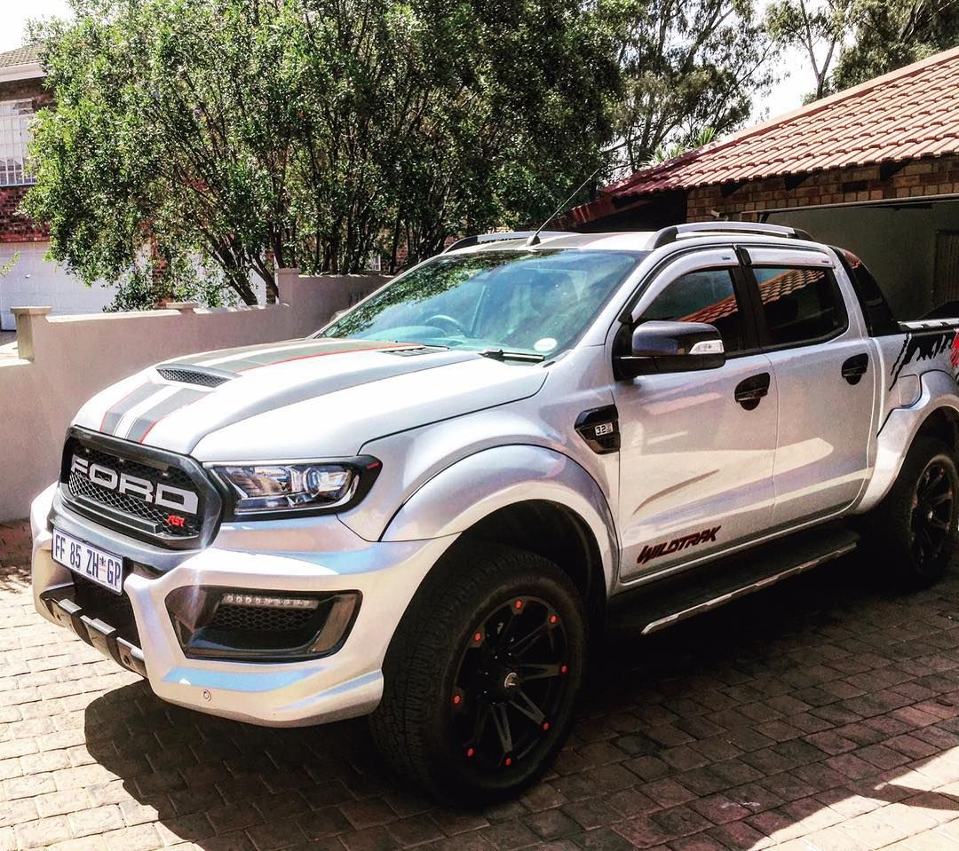 Ford Ranger Wildtrak 4x4 Auto Meteor Grey Team Hutchinson Ford