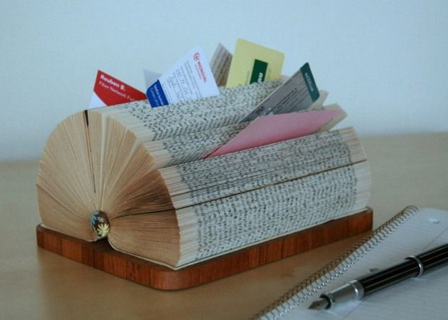 Diy Business Card Display Stand Made Of A Folded Book Recycled Books Diy Old Books Old Book Crafts