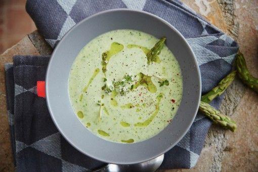 Asparges og ruccola suppe.