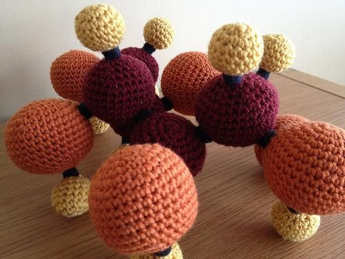 Bella Crochê - Kit de química #amigurumi #amigurumibrasil ... | 375x500