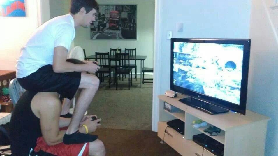 The way split screen gaming is supposed to be played