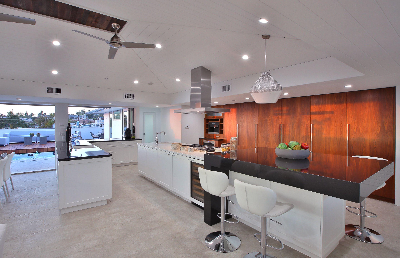 Large luxury modern kitchen  Luxury kitchens, Modern kitchen