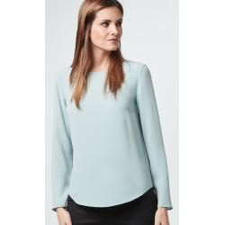 Photo of Blusa in crêpe color crema antivento