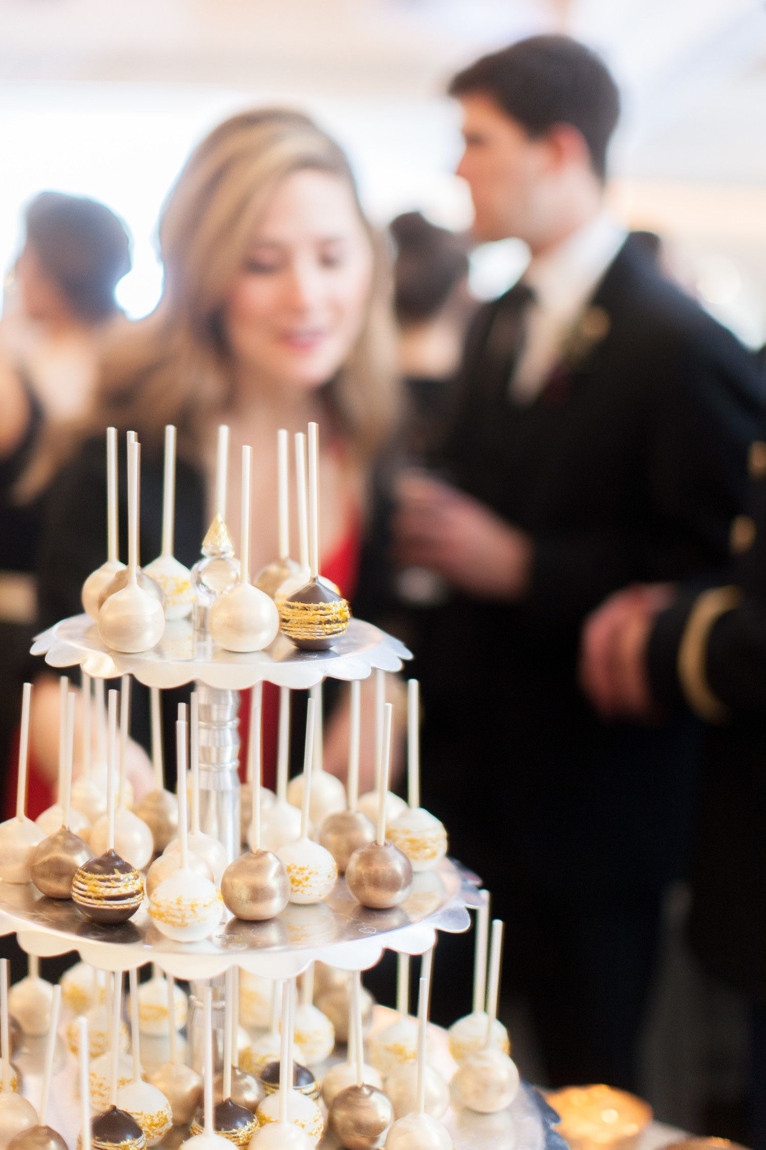 Fun and Festive Ideas for a New Year's Eve Wedding Nye