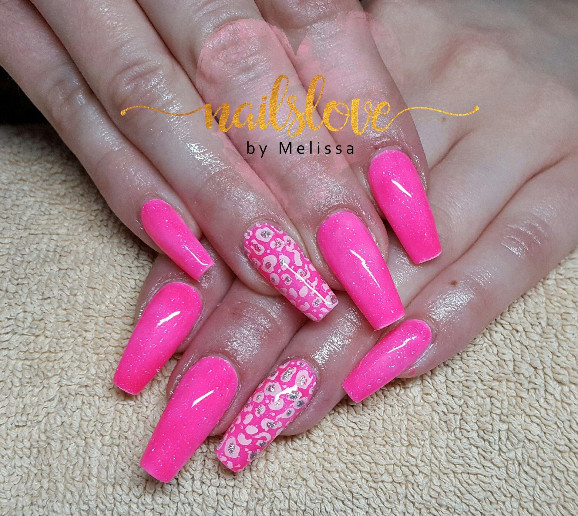 neon #neonpink #nails #nailart #pink #pinknails #nailslovebymelissa ...