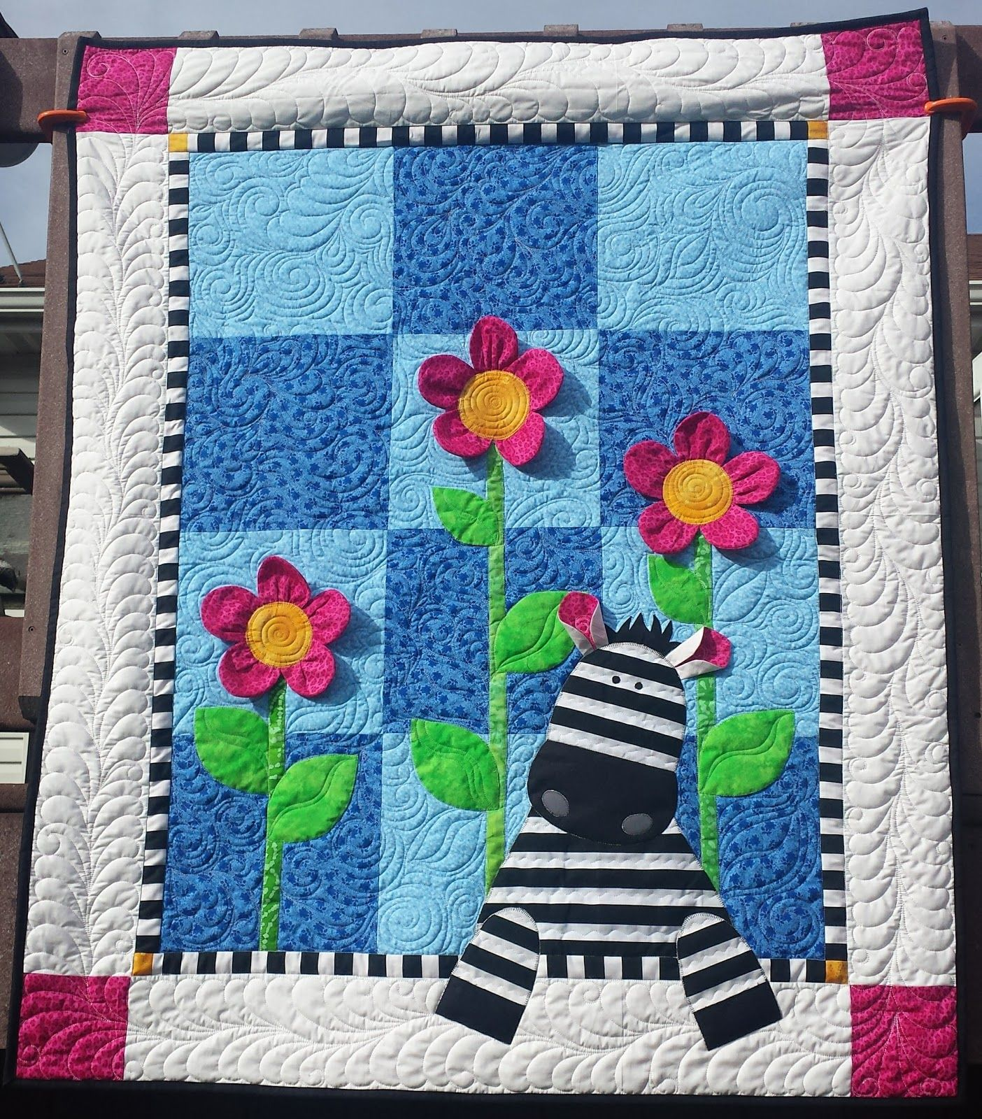 Here 39 S A Cute And Easy Baby Quilt Pattern Zoe Zebra By Deb Grogan Featured In Quiltmaker March X2 Baby Quilt Patterns Baby Quilts Zebra Quilt Patterns