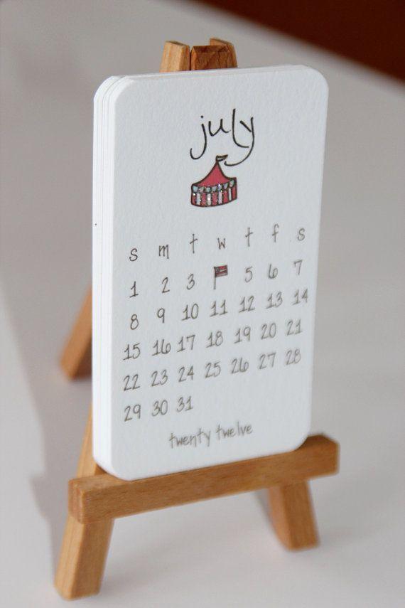 Mini Calendario.Accesorios Para Escritorio Que Haran Tus Dias Godinez Mas