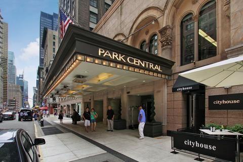 Manhattan Skyline Room At Park Central Hotel Google Search New York Travel Nyc Hotels New York City Photos