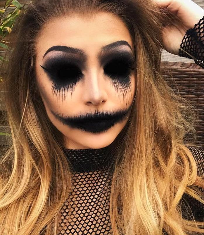#chic #Halloween #Hostess #Makeup #Page #Scary Halloween Makeup Scary chic Halloween Hostess Makeup