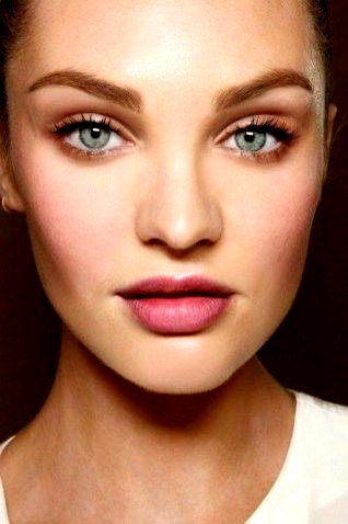 Catchy Night Makeup Ideas In Summer 29