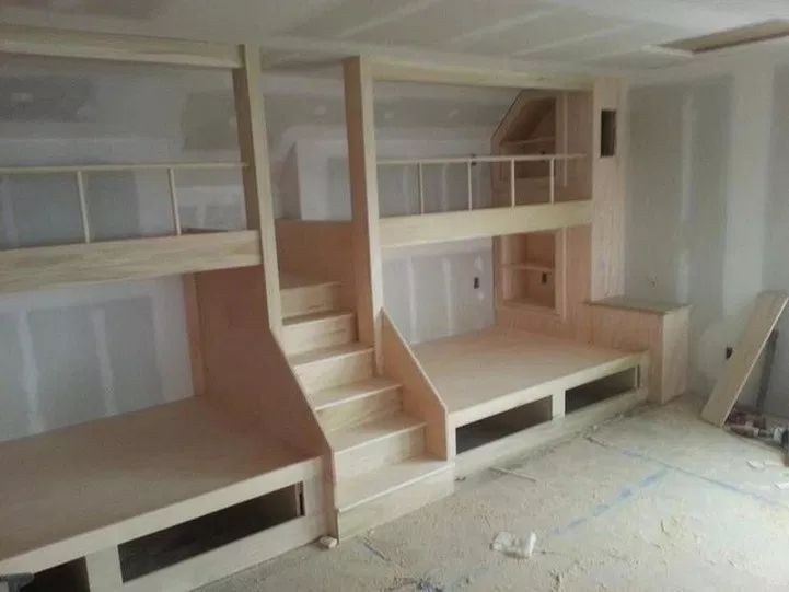 Bunk beds as a room divider, modern wall with building 6 ...
