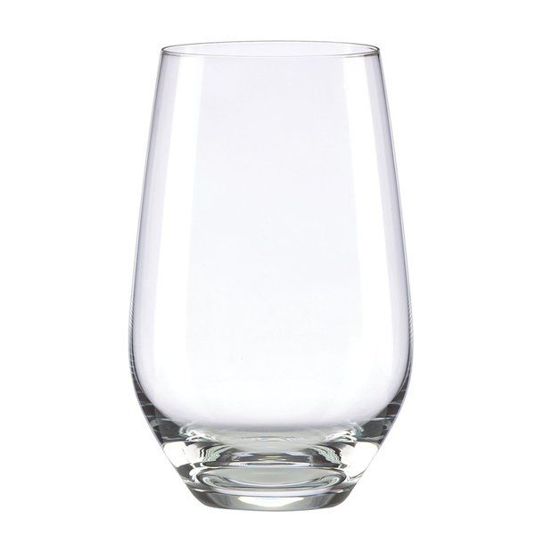Simply timeless, Tuscany Classics hiball glasses are equally suited for weekend brunch and cocktail parties. Clean lines in brilliant glass complement everything you bring to the table.