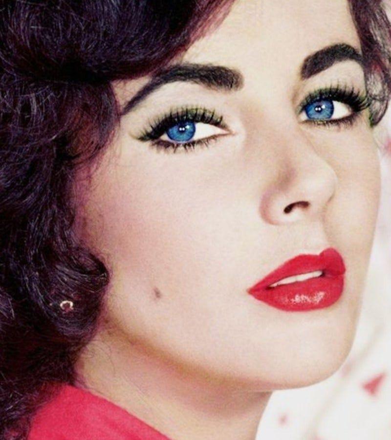 элизабет тейлор фото фиолетовые глаза женщина