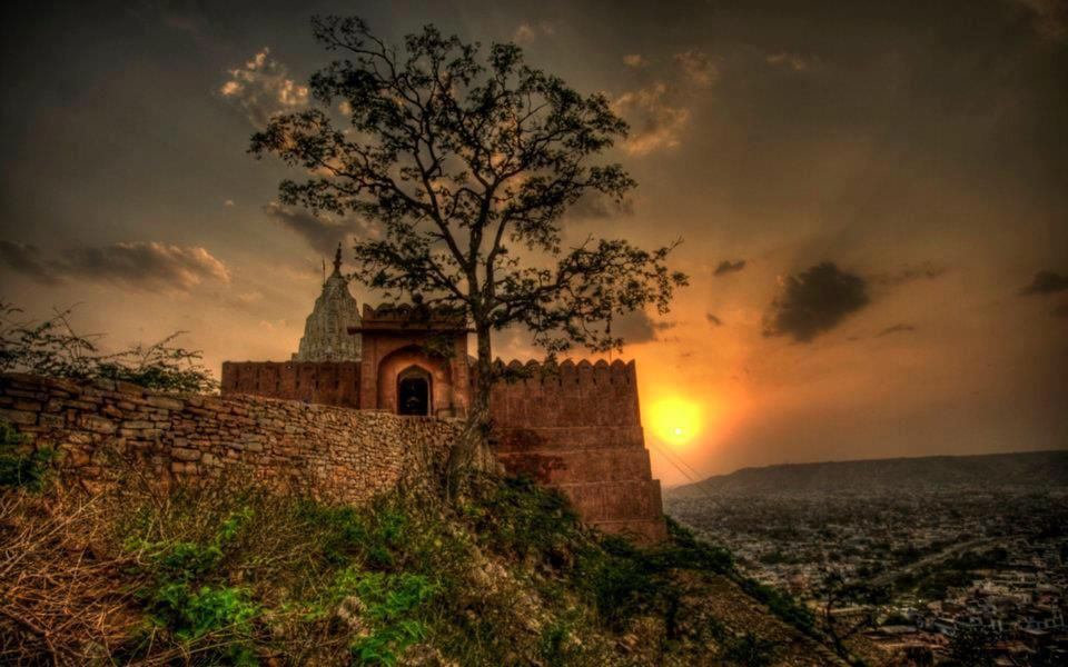 Mystical castle   Fairytales and Fantasy   Pinterest