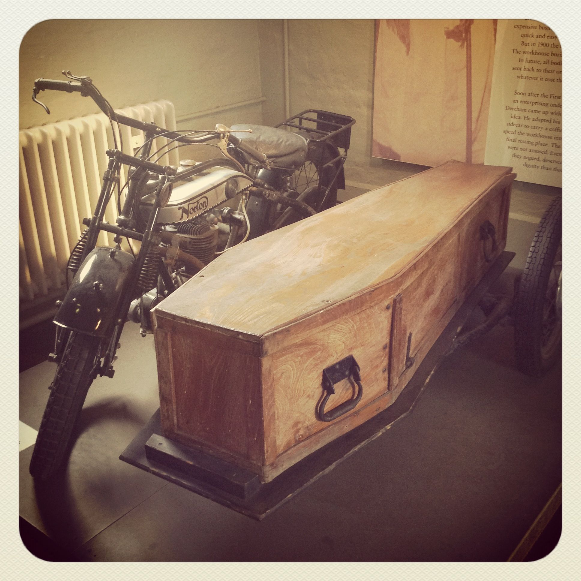Coffin on wheels 9