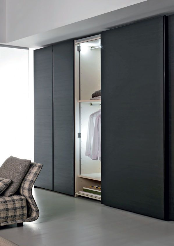 Armario moderno con puertas correderas gliss quick 45 for Roperos empotrados para dormitorios juveniles