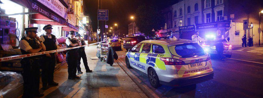 Auto rast in Menschengruppe: Mutmaßlicher Anschlag auf Muslimein London - ein Toter, mehrere Verletzte
