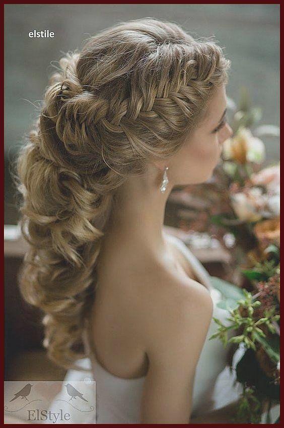 Incroyable Coiffures de noce en tenant une panache belle  MODwedding Ces coiffures de noce puissantes sont ne
