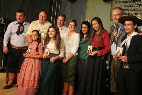 Notícias de Campo Bom: Acampamentinho da Canção Nativa encantou o público...