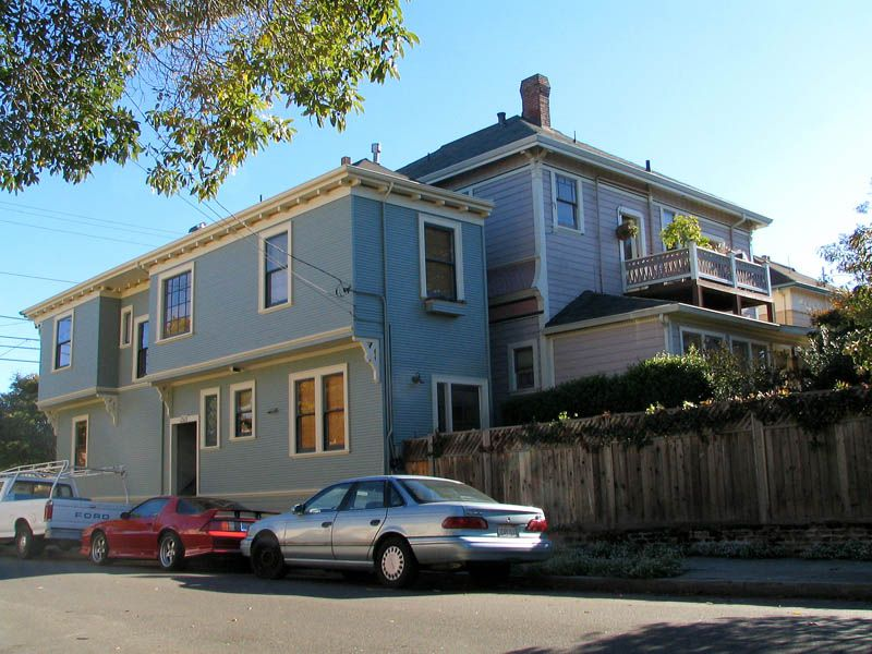 8 Homes Built Out of Spite | Spite house, Building a house ...
