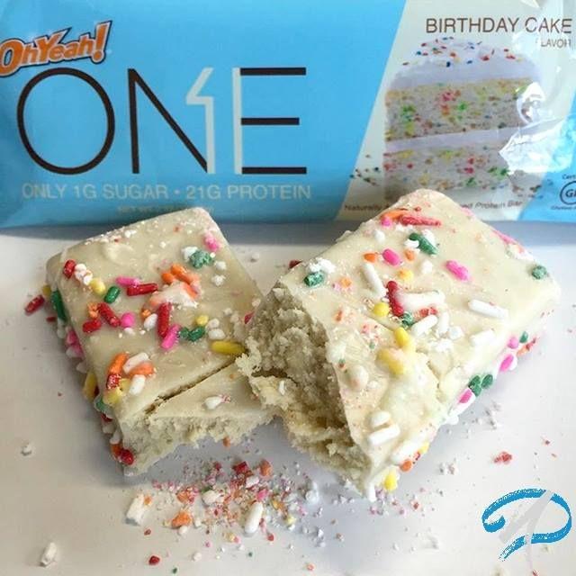 [💣 ZOOM PRODUIT] Voici la dernière création d'Oh Yeah Nutrition : la One Bar! Cette grande marque américaine nous régale avec une nouvelle barre protéinée encore plus aboutie nutritionnellement parlant pour vous permettre d'allier plaisir et diététique au quotidien ! Elle est disponible en diverses saveurs irrésistibles : Chocolat blanc/Framboise, Cookies & Cream & Birthday Cake ! ➤ Disponible ici : http://ow.ly/Wpbs305VOAA