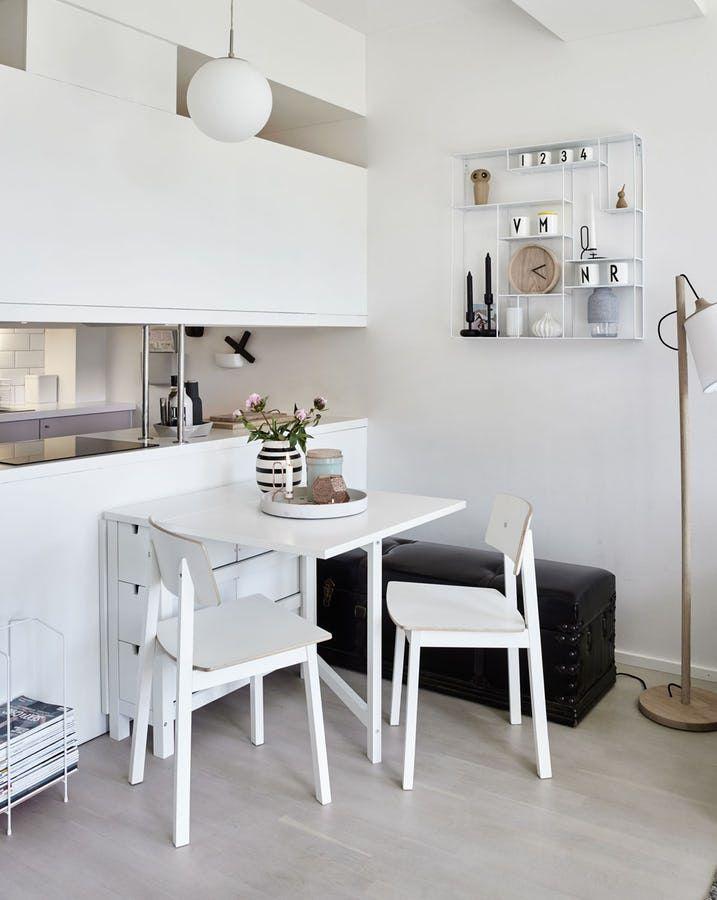Med en ren skandinavisk stil og gjennomtenkte løsninger viser Vibeke og Morten hvordan du kan få det fint i en leilighet på 41 kvadratmeter.