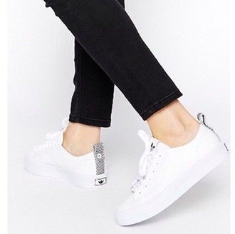 Minimalist | Adidas white sneakers