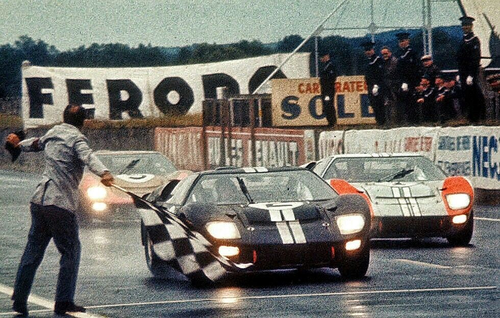 Ford Dominated The 1966 Lemans24 With A 1 2 3 Finish And Are Ready To Do It Again In 2016 Fifty Years Ago One Of The Most L Ford Gt40 Le Mans Ford Racing