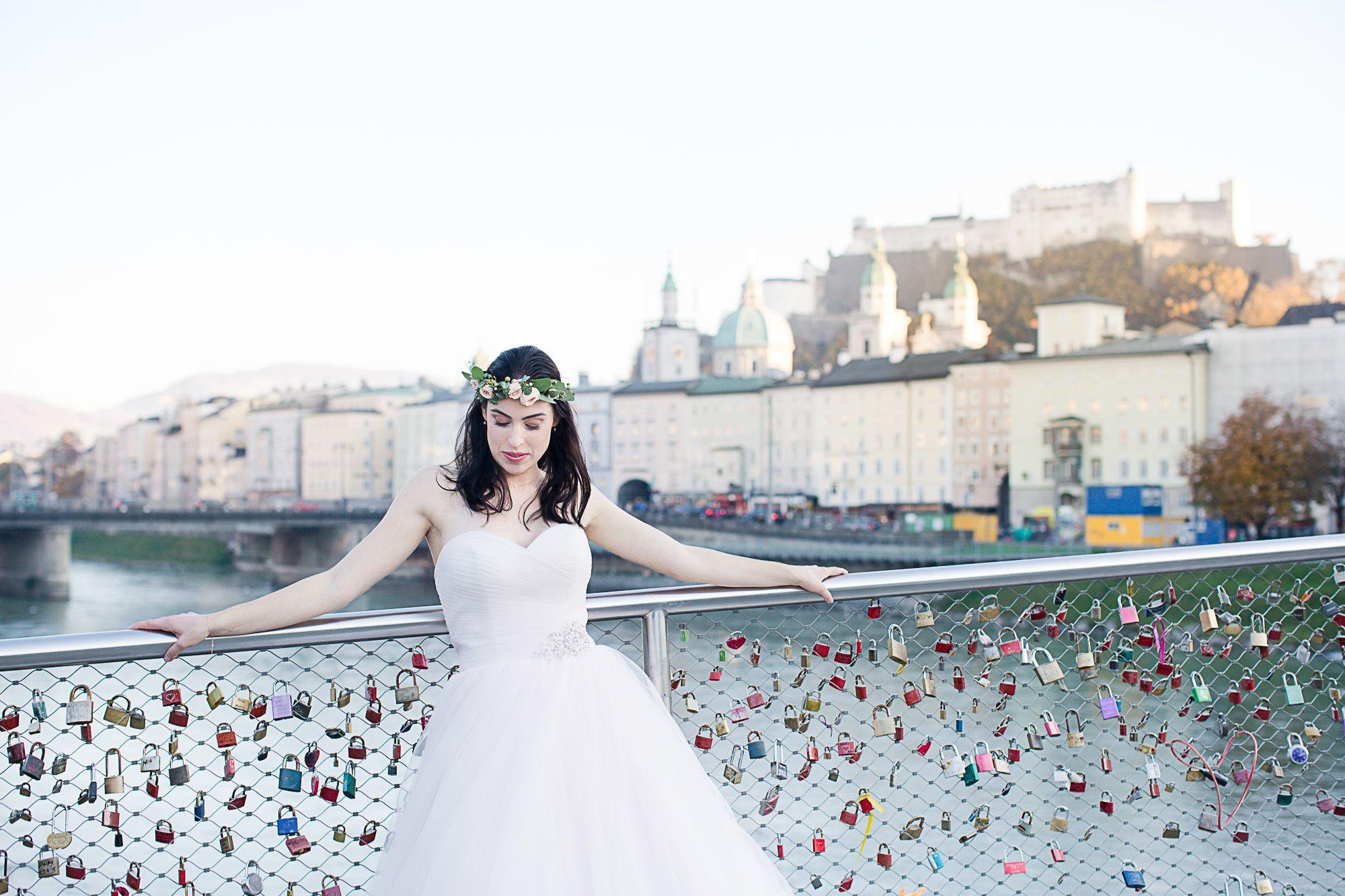 Wedding Photography, Salzburg, Blush dress, Blumenkranz, Brücke mit ...