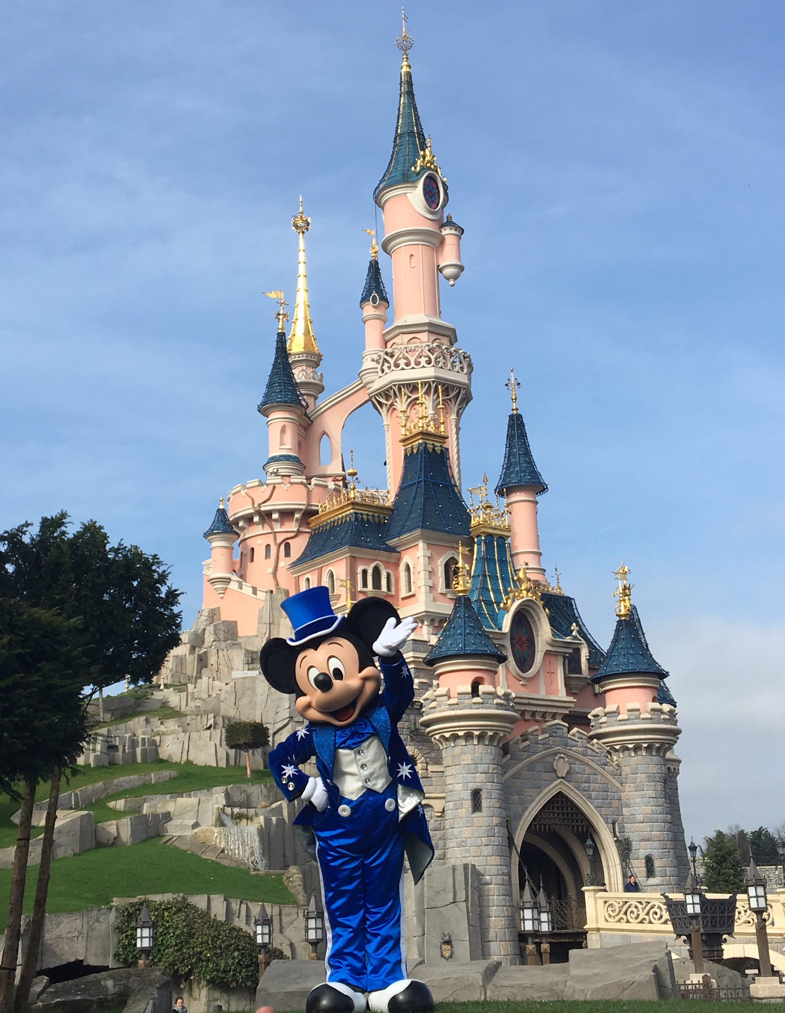 Mickey Castle In 25 Anniversary Outfit