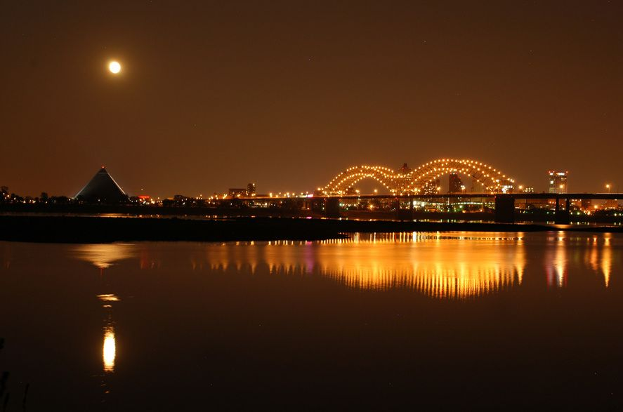 Memphis Home Of Elvis The Moon Over The Mississippi And The Beautiful Bridge To Arkansas
