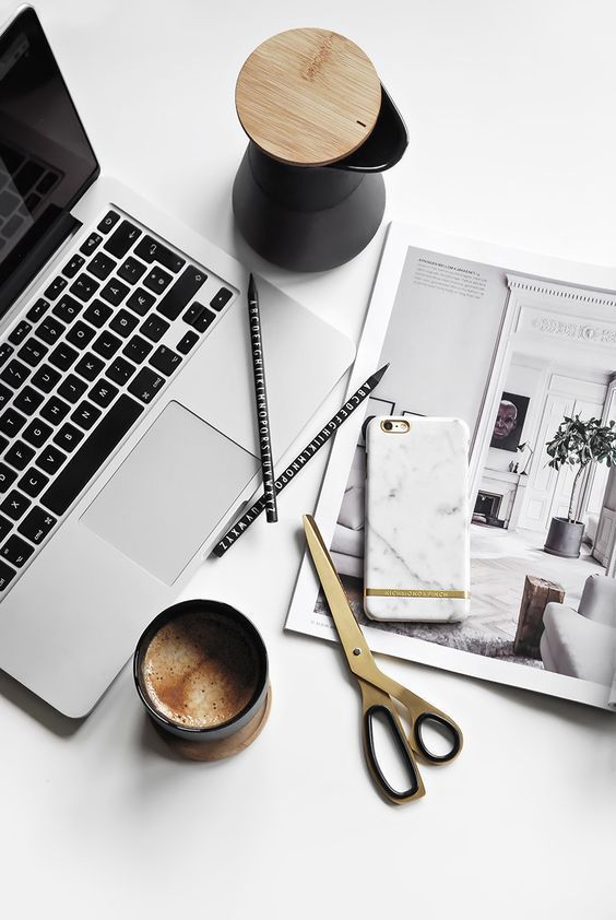 Avoid These Resume Mistakes And Get The Job (The Edit) Flatlay - resume mistakes