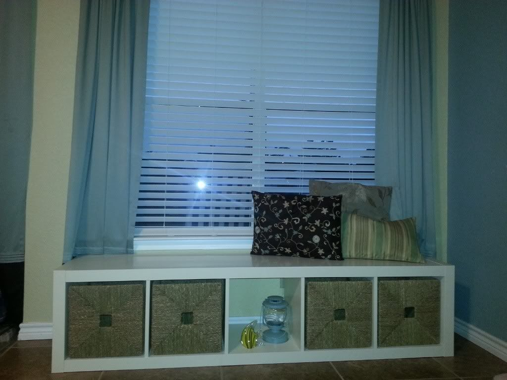 DIY Window Bench -- great tutorial on how to turn an Expedit into ...