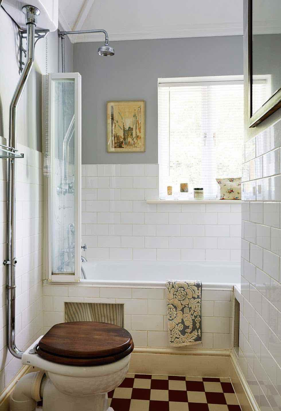 Small victorian style bathroom kitchen dining for Bathroom ideas victorian