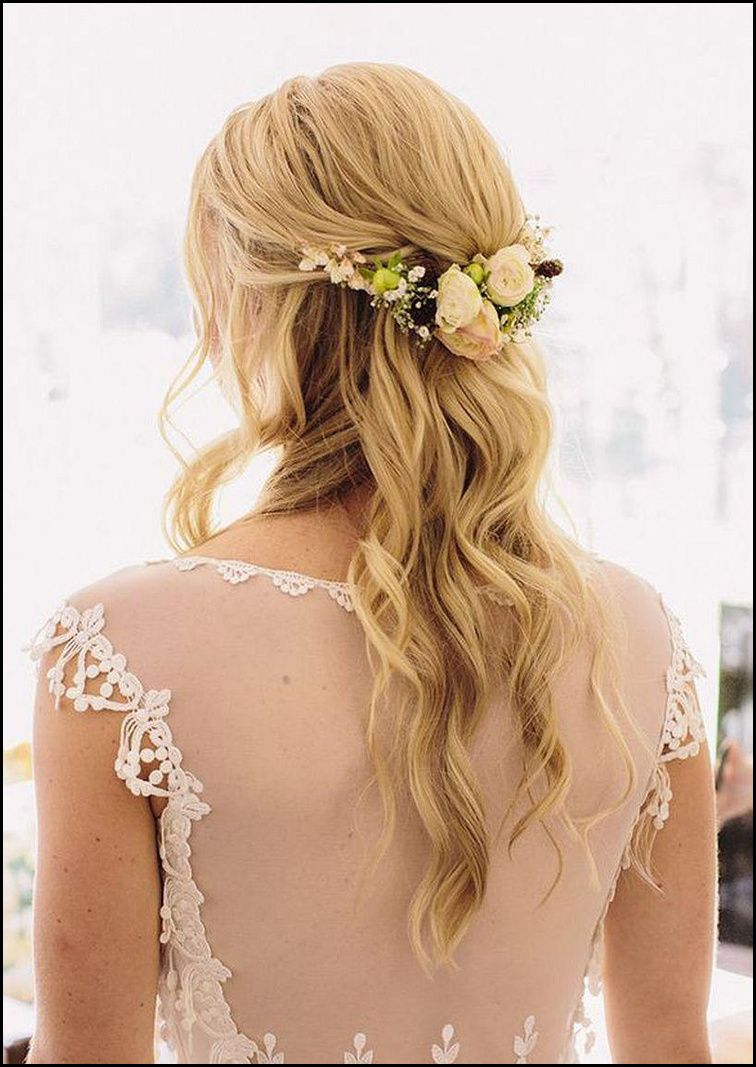Romantisch Brautfrisuren Halblang Offen Mit Blumen Brautfrisuren