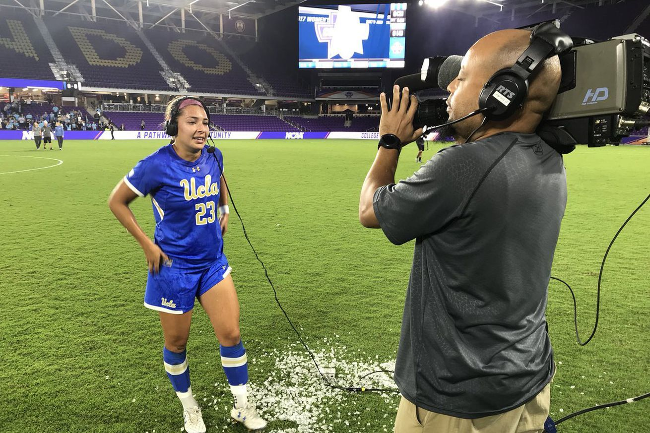 Ucla Women S Soccer Defeats Duke On Penalty Kicks Advances To Final Against Stanford Sunday Women S Soccer Penalty Kick Ucla