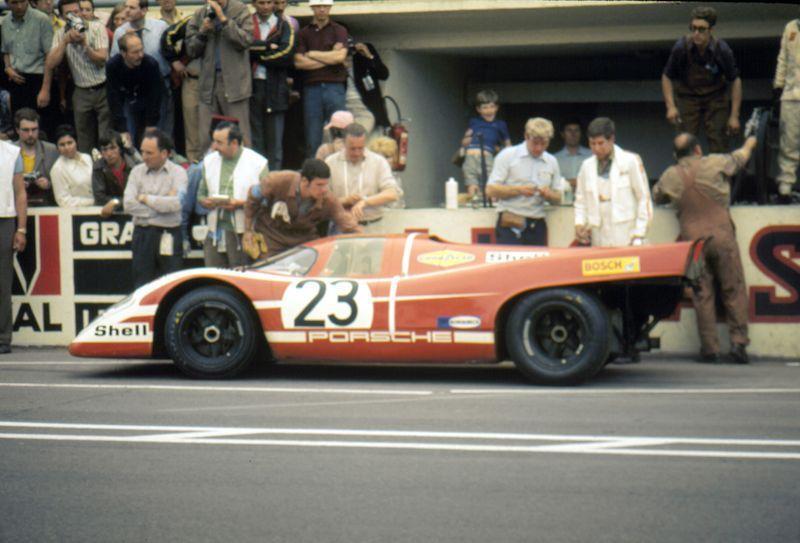 Le Mans 1970 Porsche Pit Stop Google Search Porsche Motorsport