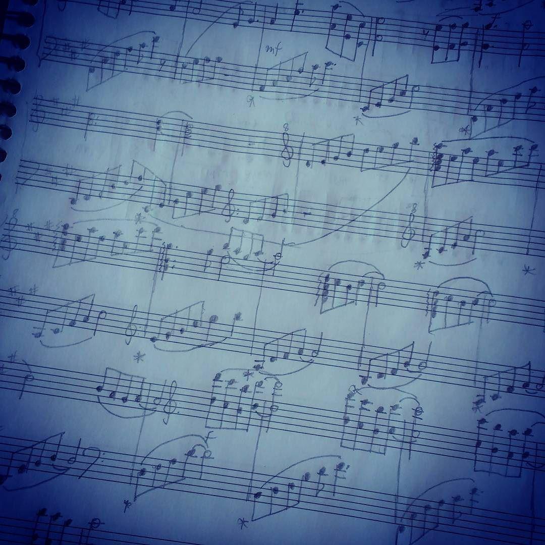 A falta de computador não é um problema. #ocio #composition #sheetmusic #romanticmusic #thisafternoon by truerandompianist