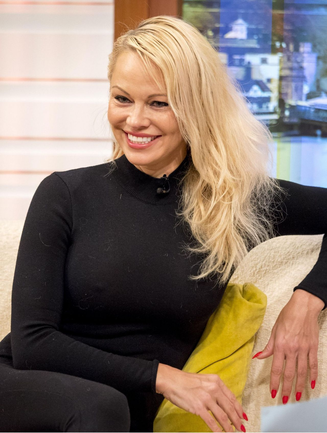 pamela-anderson-in-porn-showes-sex-in-islamabad