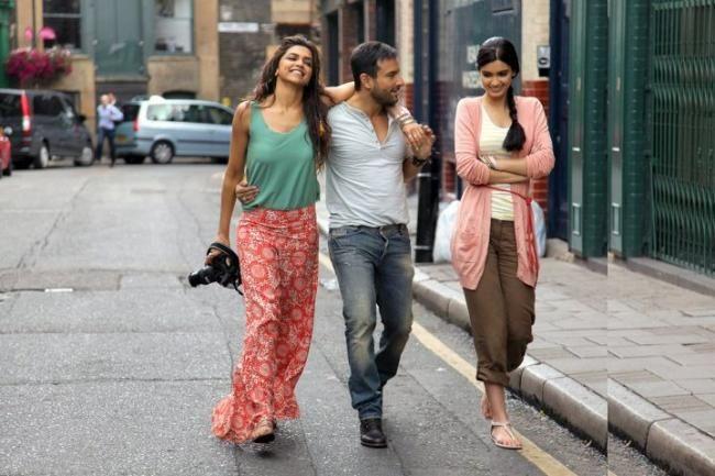 Cocktail Movie Stills With Saif Ali Khan Deepika Padukone And Diana Penty Cocktail Dress Vintage Cocktail Movie Bollywood Fashion