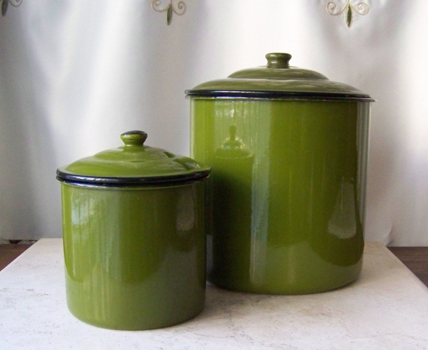 green canister sets kitchen vintage enamelware canisters avocado green chippy paint black trim green enamelware containers 5020