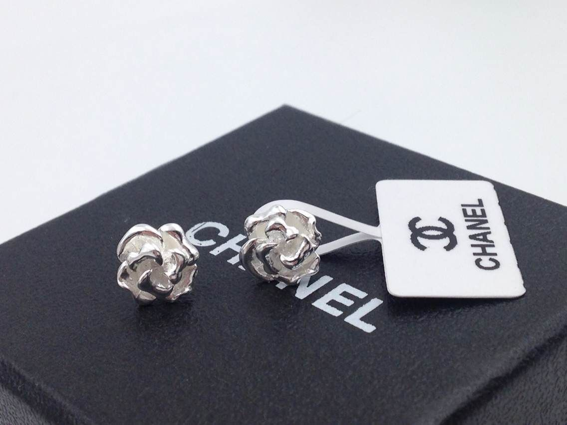 Replica Chanel Camellia Classic Silver Earrings 1:1 High Quality Chanel  Earrings